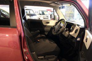 MRワゴン運転席画像
