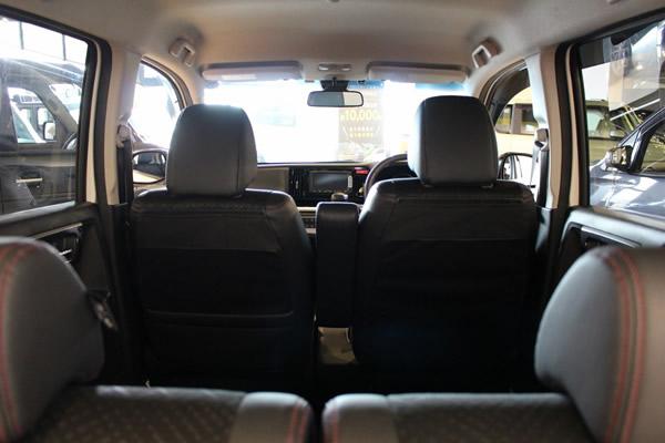 N-WGNカスタム車内画像